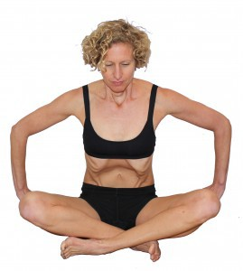 Trista Zinn demonstrating hypopresssive exercise